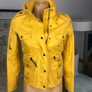 New Burberry yellow jacket size XS